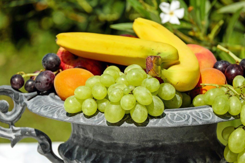 Obst und Gemüse enthalten Vitamine, Mineralstoffe, Aminosäuren und sekundäre Pflanzenstoffe